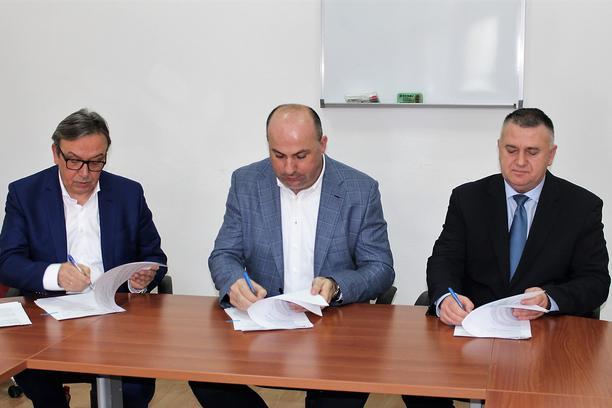Potpisan ugovor za sanaciju ceste od Zvirovića do Tromeđe